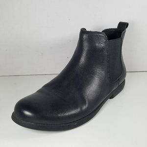 Chelsea-Crew Black Leather Slip On Ankle Boots